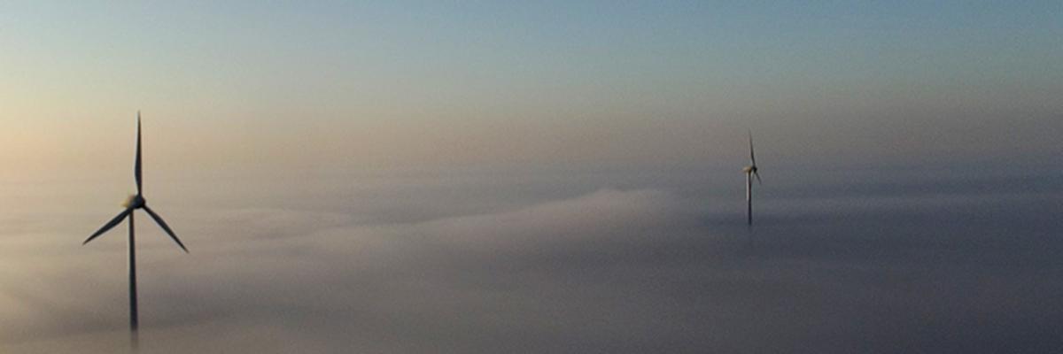 Vol en montgolfière au dessus des nuages