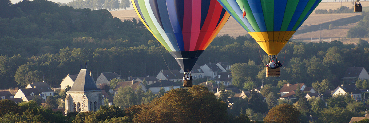 Vol en montgolfière au dessus de la ville d'Etampes